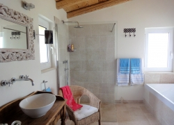 Luxury bathroom at Villa Del Cielo Corfu
