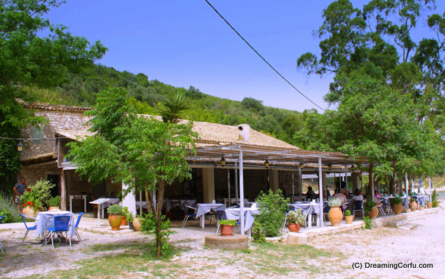 Taverna in Agios Stephanos